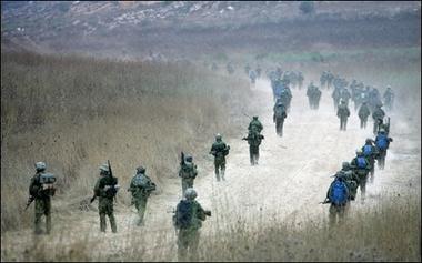 20060818231729-0000-tropas-invasoras-israelies..jpg