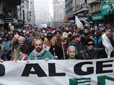 20060814072107-marcha-libano-uruguay-000.jpg